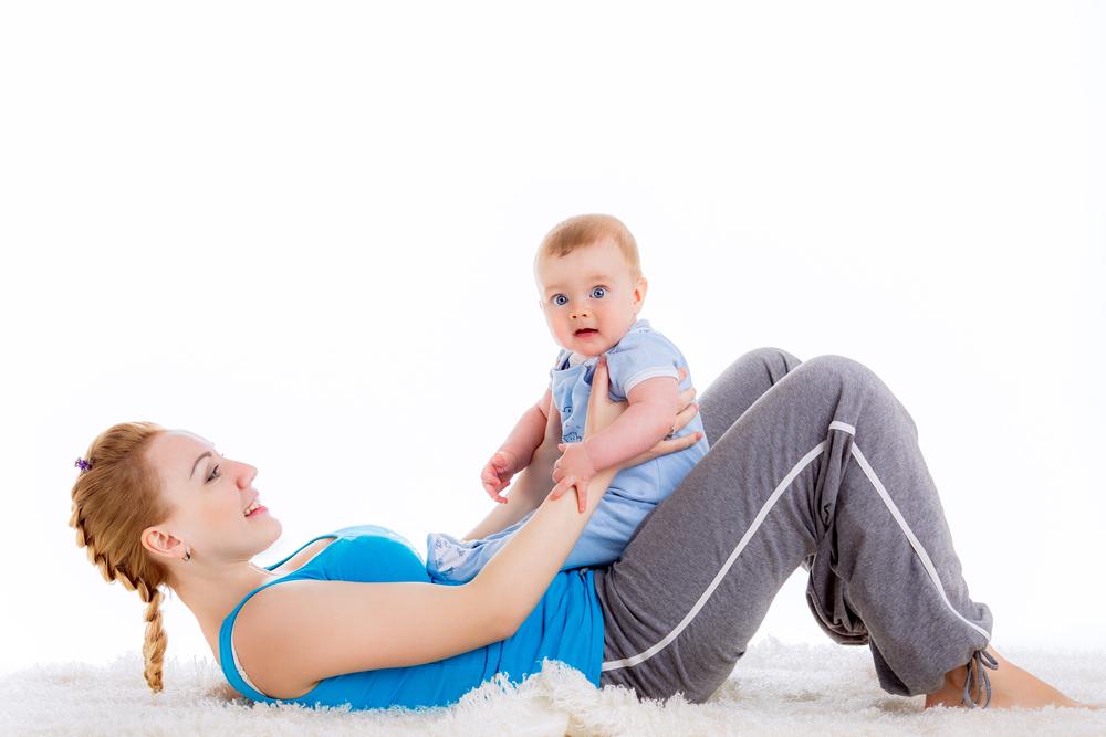 Как убрать живот после родов – подробная инструкция для молодых мам