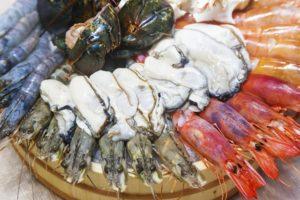 Разные виды морепродуктов