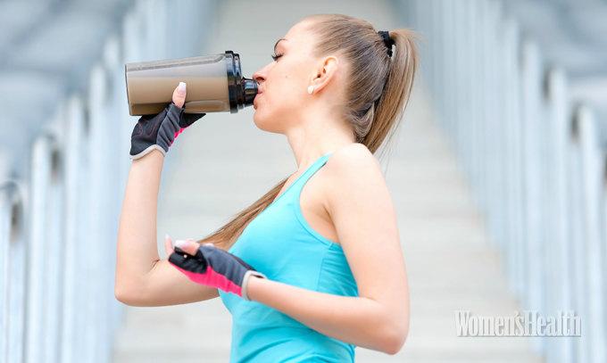 Что нельзя пить перед тренировкой: 5 напитков-табу