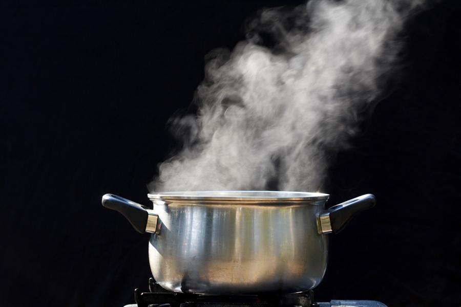 Блюдо варят на медленном огне