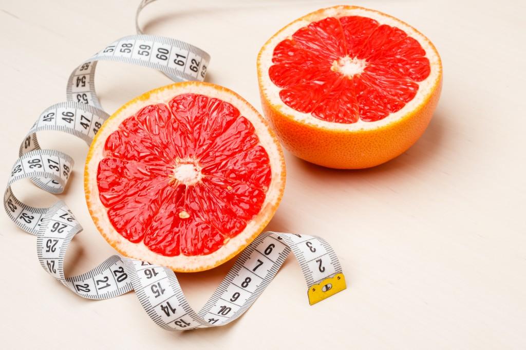 Съедать по половинке грейпфрута