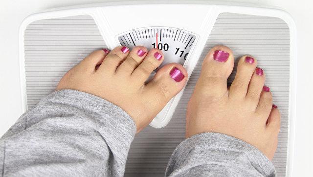 Люди страдают от избыточного веса