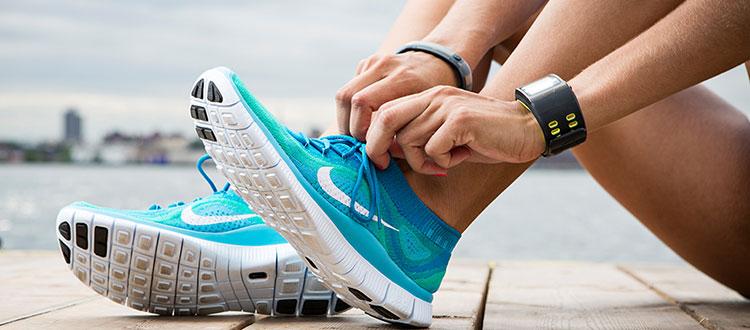 Одежда и обувь для спортивных занятий