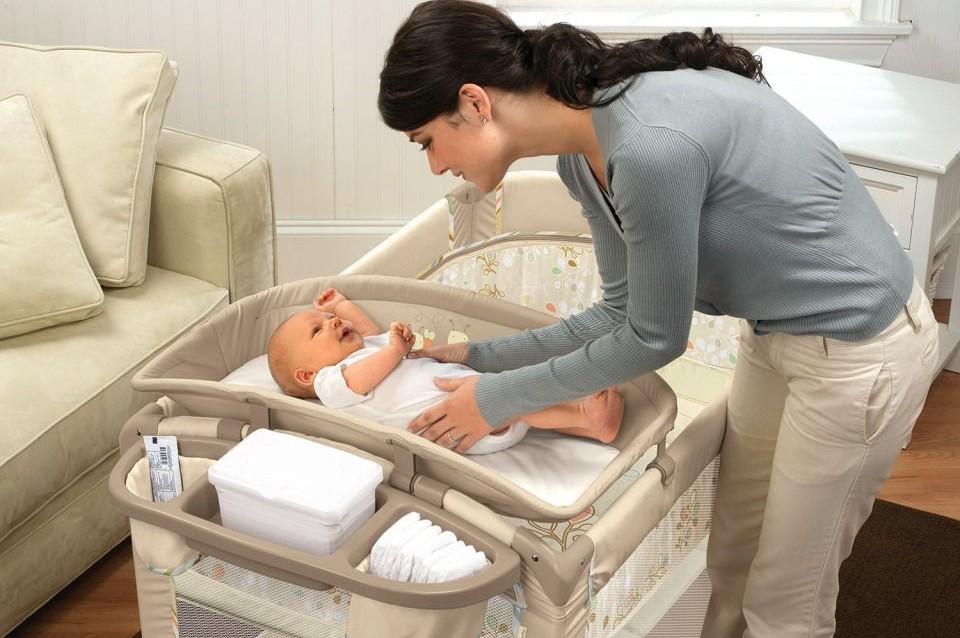 пеленальный стол для младенцев