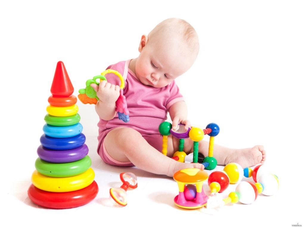 игры и игрушки для грудничка