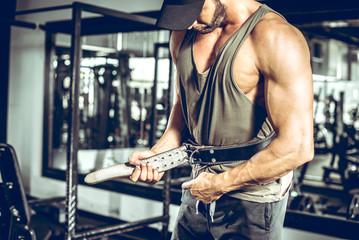 Как подобрать пояс для тренировок в зале