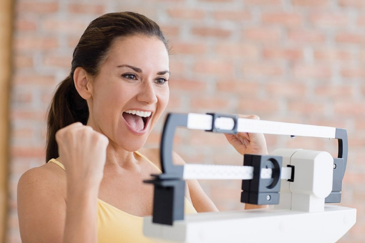 Предотвращает набор веса