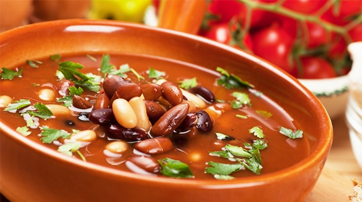 Вегетарианский суп из красной фасоли