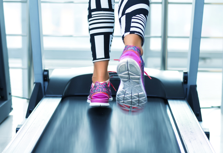 Как правильно бегать на беговой дорожке новичку для массы и похудения