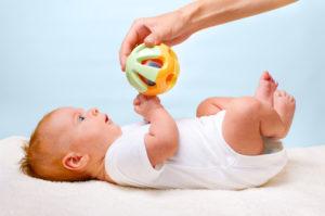 игры с грудничками до года