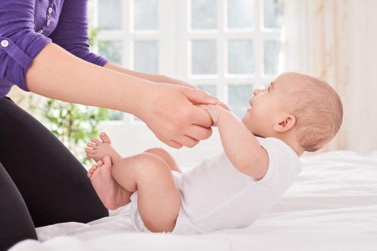 классическая гимнастика для малыша