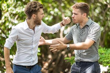 Удар &quot,стаканом&quot,: основные правила и ошибки при нанесении удара