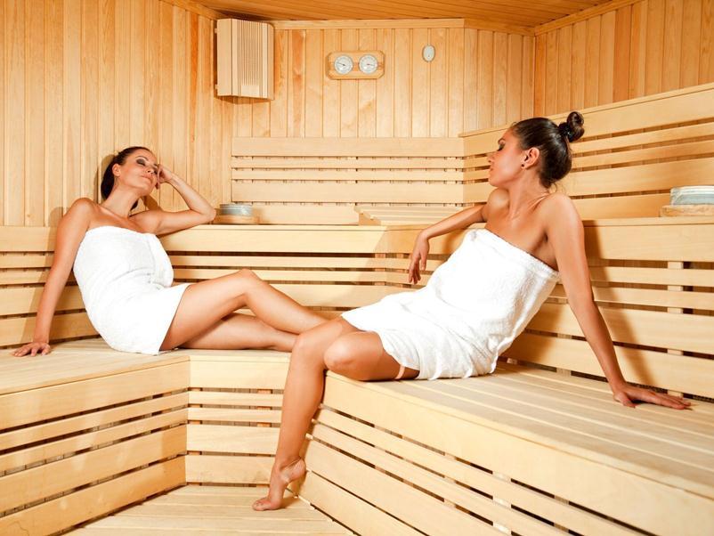 Чередование сауны с прохладным душем