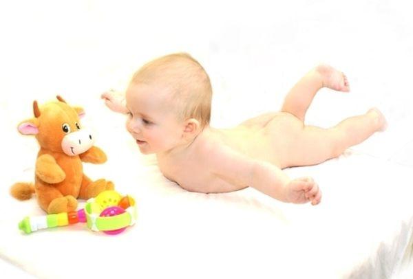 гимнастика для грудничков в 6 месяцев